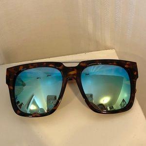 QUAY Australia x CHRISSPY Sunglasses - MILA